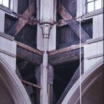 De omtimmering van de oude constructie is goed zichtbaar tijdens de restauratie