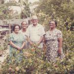 Opa van der Kuyp met zijn eerste en tweede vrouw en schoonmoeder