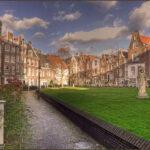 Heilig Hartbeeld op het Begijnhof in Amsterdam door J.P. Maas