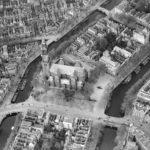 Afbeelding van de Westerkerk. daarboven het blok waar het achterhuis staat en daar tegenover ons pand. Foto: Annefrank.org.