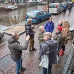 Vrienden gaan het funderingsonderzoek bekijken, Aart Jan van Mossel.