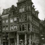 Met lampenwinkel in 1920