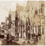 1857 Turner, Benjamin Brecknell t.p.v. huidige Spuistraat 1-13.