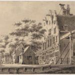 Gerrit Hulseboom gezien bij de brug over de Zoutkeetsgracht met de Vlotmakershuisjes