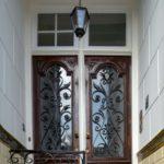 Deur naar de bel etage en de verdiepingen. Foto: Sjors van Dam.