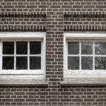Mooie raamkozijnen van het Seinwezen.