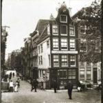 Singel 346, 2e van links. Foto: Breitner van rond 1900.