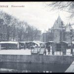 Nieuwmarkt anno 1910 met Amsterdamse krul.