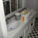 De oude keuken in het achterhuis is nu badkamer.