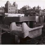 Bouwwerkzaamheden aan de westzijde van het plein met op de achtergrond de Valeriuskliniek. Foto: Gemeentearchief.