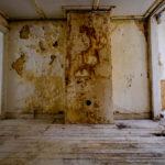 Interieur voor restauratie.
