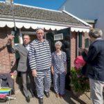 Tijdens de opening Ben Meijer en Tamar Frankfurther worden vrijgelaten uit het celletje.