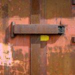Stalen deur bunker, Foto: Aart-Jan van Mossel.