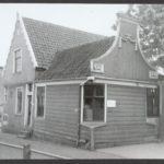 Het pand op zijn oude plek in Westzaan