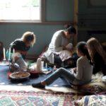 Tijdens de Zaanse kinderboekenmarkt was de woonkamer de multiculturele huiskamer.