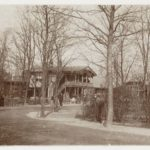Vondelpark met het in 1874 geopende melk- en theehuis naar ontwerp van l.P. Zocher.