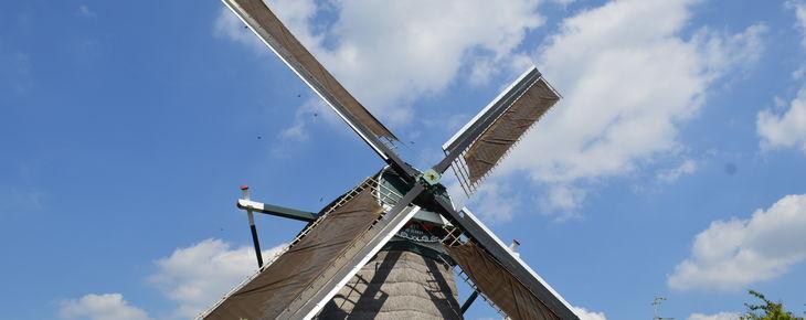 De Hollandsche Molen draagt twee molens over aan Stadsherstel