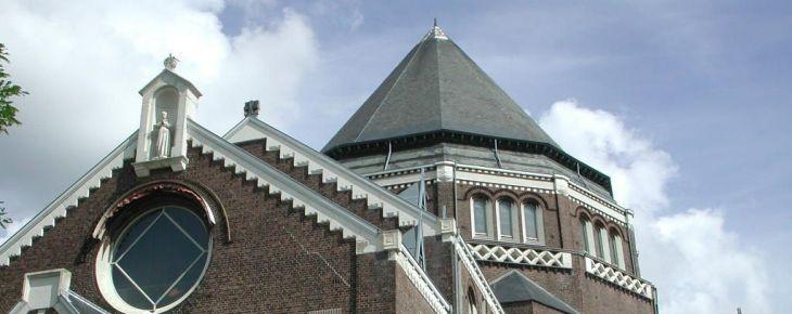 NedPhO en Stadsherstel tekenen contract voor de Majellakerk