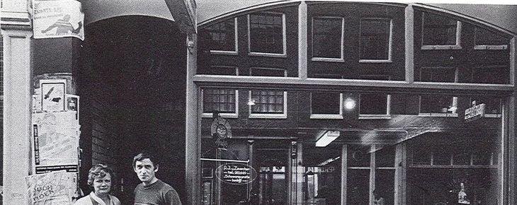 Rita en Adriaan van Zeventer in 1982, Herenstraat 21. Bron: boekje 'Prinsheerlijk'