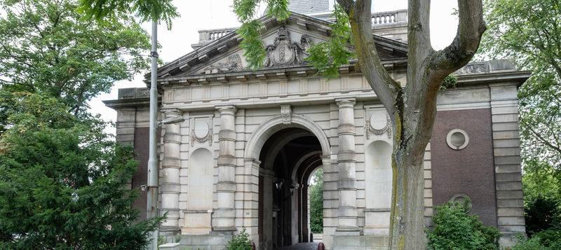 Stadsherstel eigenaar van Amsterdams icoon, de Muiderpoort