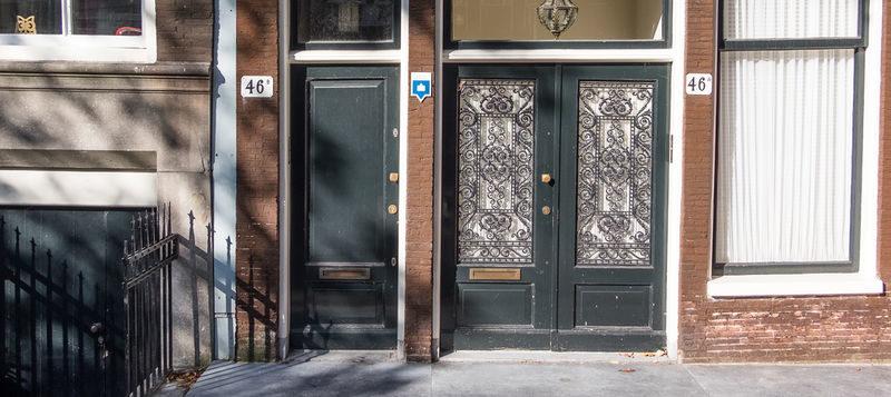 Twee Amsterdamse stoepjes gerestaureerd dankzij de Vrienden