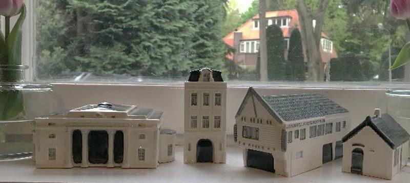 Vierde unieke stadsherstelminiatuur is gebakken: De Hollandsche Manege