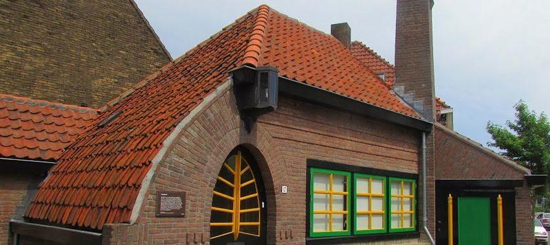 Voormalige politieposten in Amsterdam en omgeving