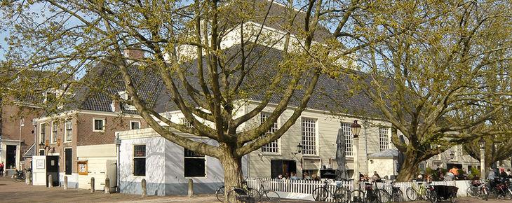 Zonnepanelen op de amstelkerk