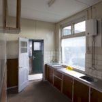 Keuken onderwijzerswoning, voor restauratie
