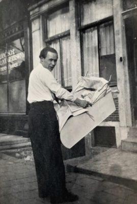 Martin Busker Sr Met Gerard In De Wieg 1948 Geldersekade 41