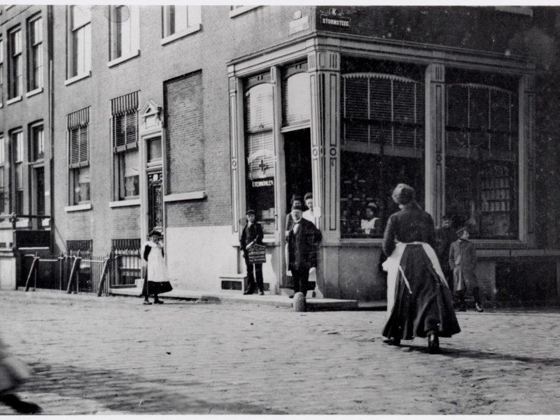 Geldersekade apotheek historische foto
