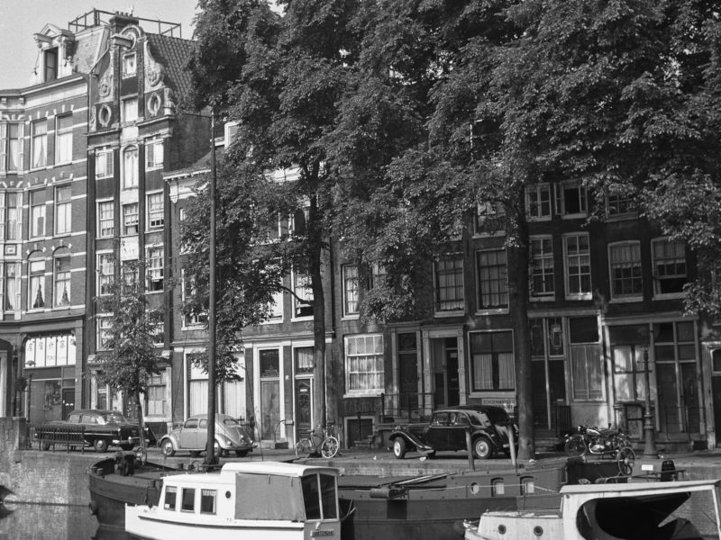 Geldersekade 70-84 1961 Foto Stadsarchief Amsterdam C.P. Schaap