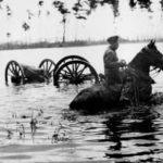 Het gebied buiten Amsterdam kon onder water gezet worden zodat de vijand Amsterdam moeilijk kon bereiken.