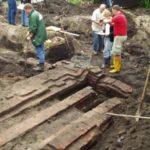 Opgraving van de fundering van de porseleinfabriek in Loosdrecht