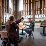 In het hooihuis is nu een gezamenlijke ruimte gecreëerd. Foto: Jan Reinier van der Vliet (februari 2021).